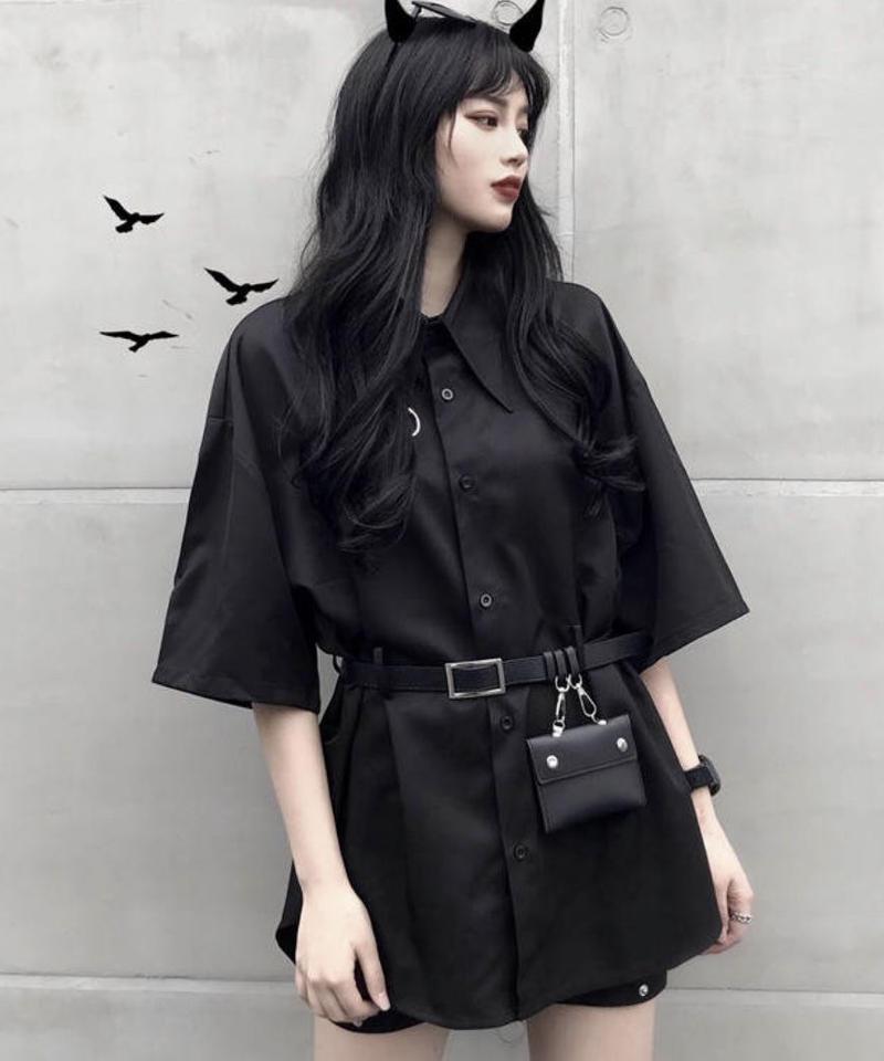 ポーチベルト付きブラックシャツ