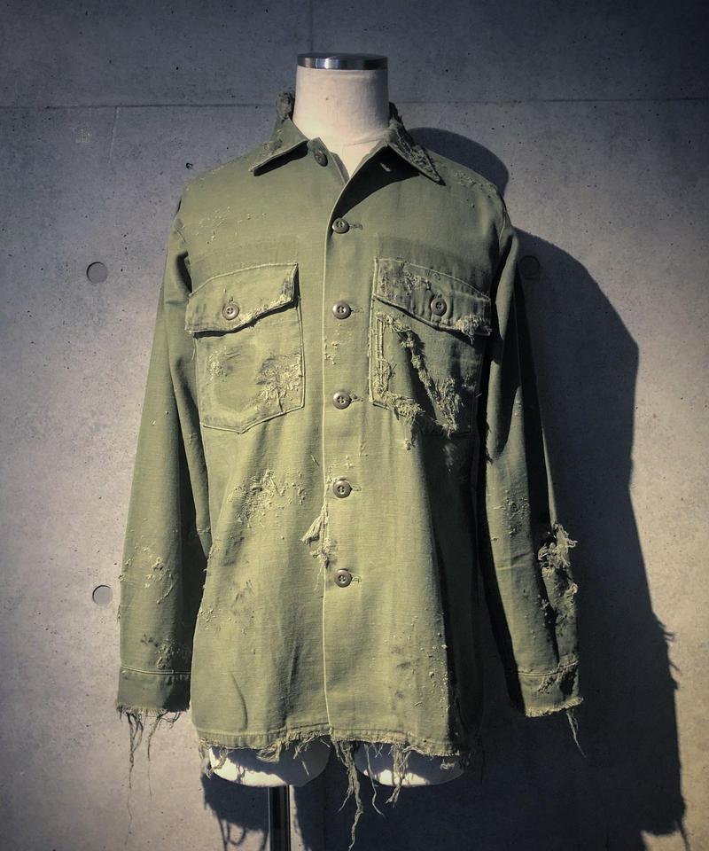 Vintage damage& paint military shirt