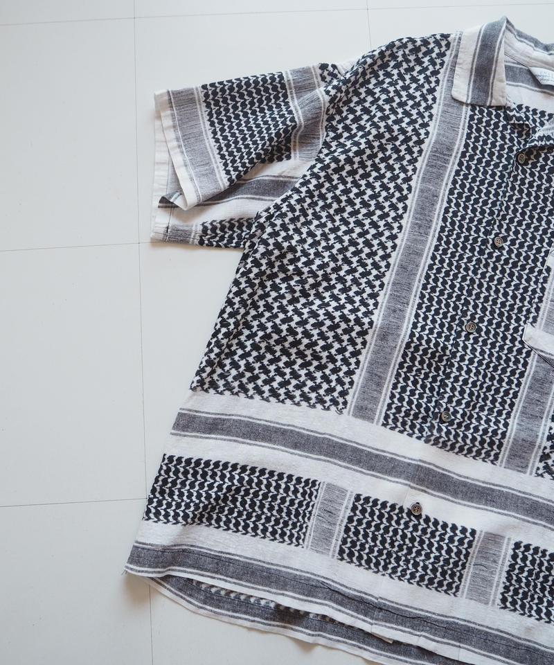 "UNUSED ""US1623 Afghan print short sleeve shirt. "" White unisex"