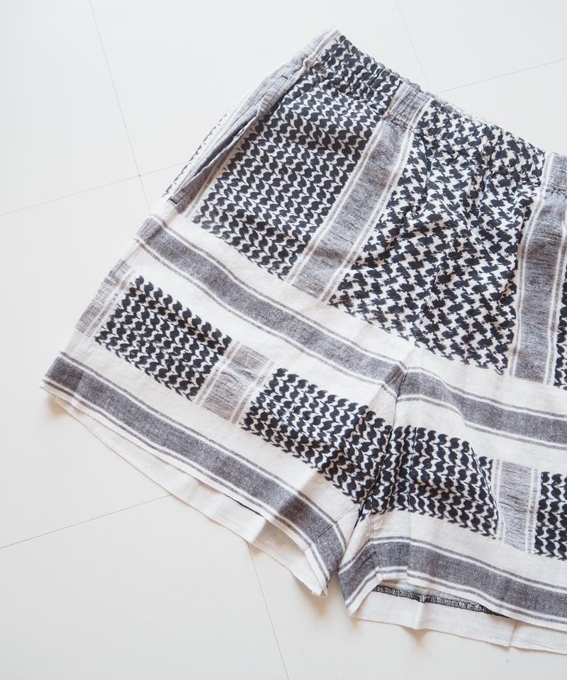 "UNUSED ""UW0767 afghan print shorts."" White unisex"