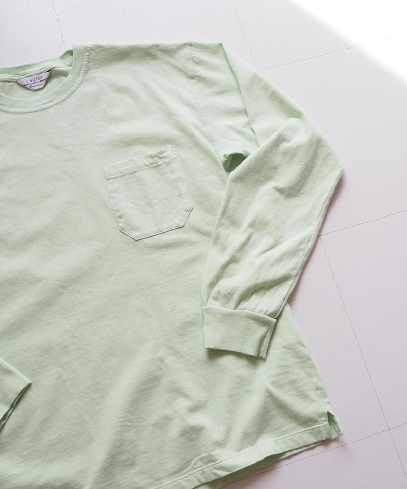 "UNUSED ""US1595 long-sleev e pocket t-shirt. "" light green unisex"