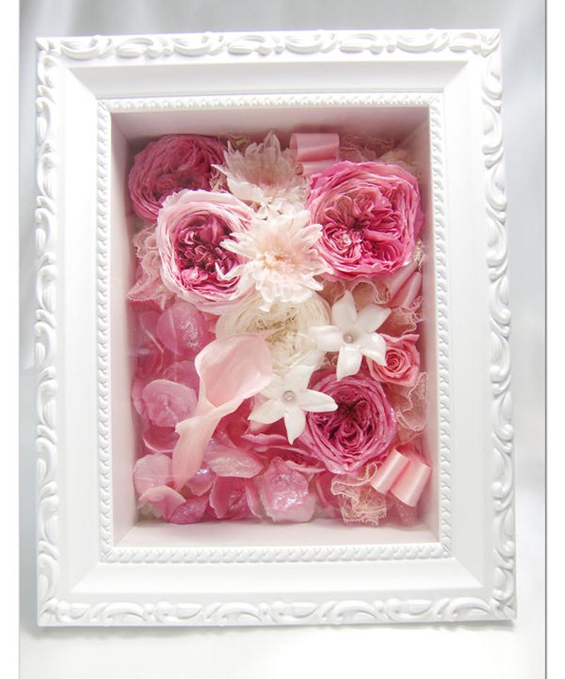 【プリザーブドフラワー フレームアレンジ/ピンク色の薔薇たちに込めた愛のメッセージ】