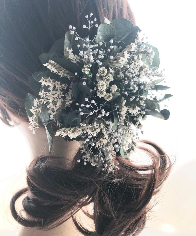 【ユーカリと白い小花のヘアクリップ/プリザーブドフラワー/髪飾り・ボタニカルコサージュ使用可】
