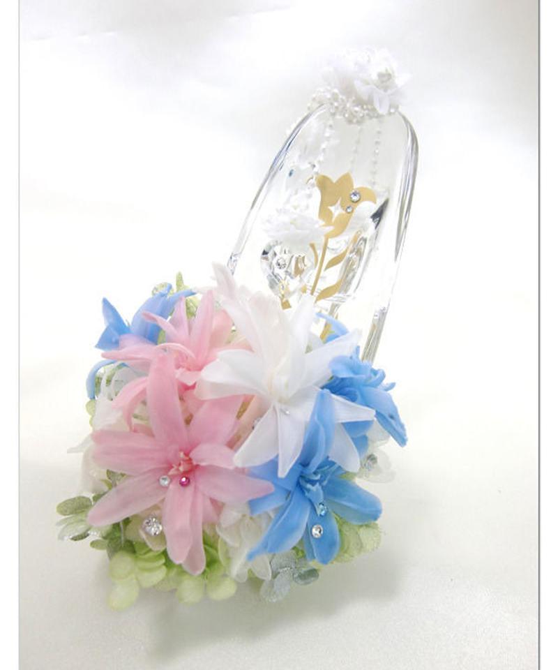 【プリザーブドフラワー/ガラスの靴シリーズ】3色のチューベーローズに秘めた想いをパールリボンで優雅に飾って