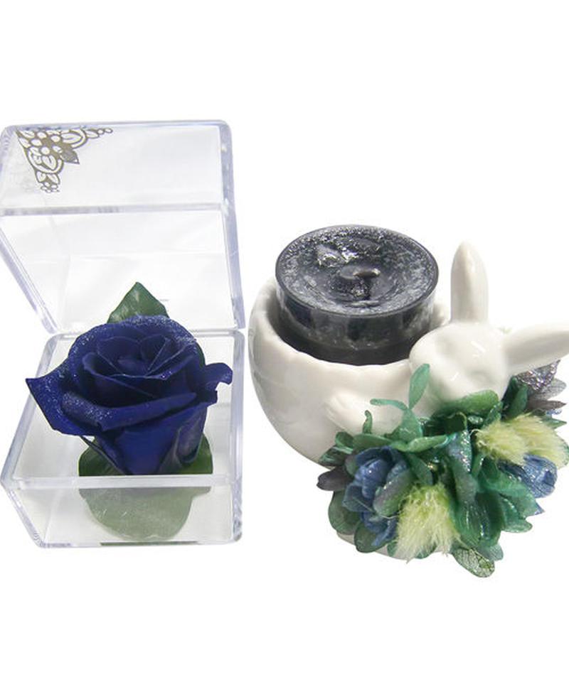 アロマキャンドルの灯りと一輪の美しい輝きをまとった青い薔薇に込めたウサギさんの贈り物【ラッピング付き】