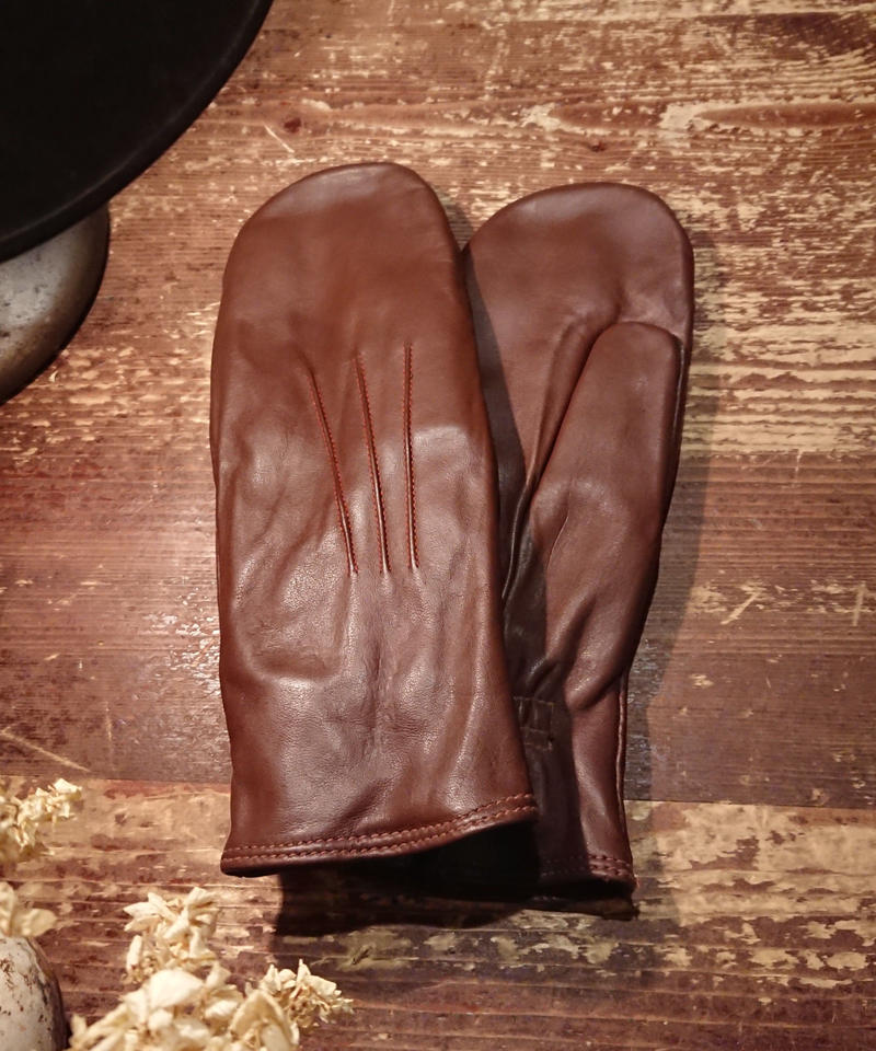 1950s   Women's Leather Mittens Gloves.