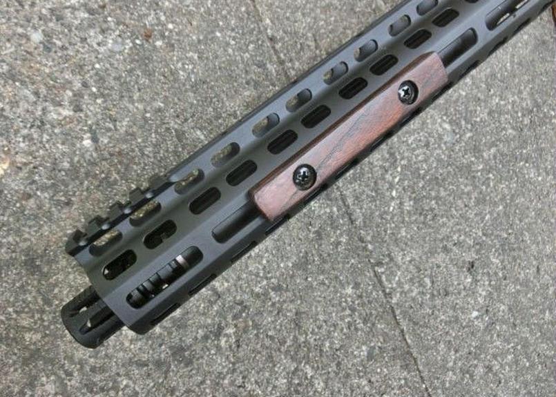 在庫品 M-lok Wood Panel ウォルナット ツヤなし色・スムース