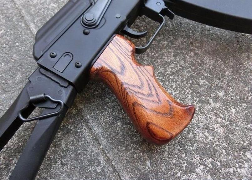 受注 KSC GBB AKシリーズ用タクティカルウッドグリップ製作