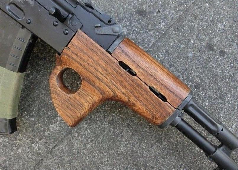 受注 次世代AKS74N用サムホールハンドガード製作