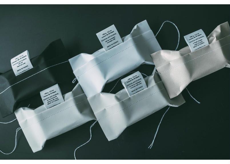 cousu de fil blanc SOAP
