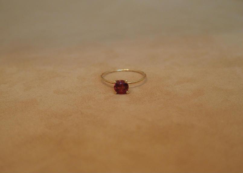 Garnet Petit Ring(r/d)