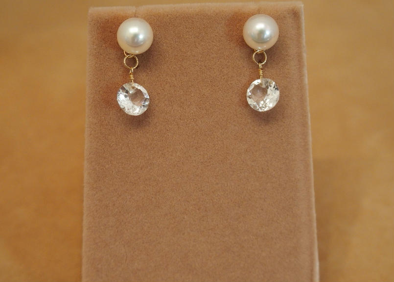 AKOYA Pearl&White Topaz Charm Earrings