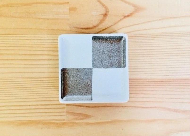 白吹プラチナ市松紋角豆皿