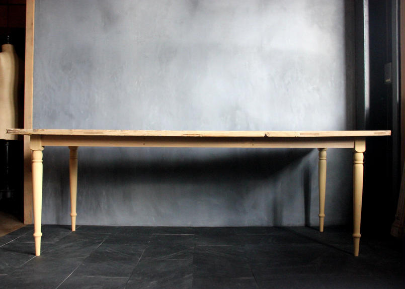 BLA:NC Pyura table leg base