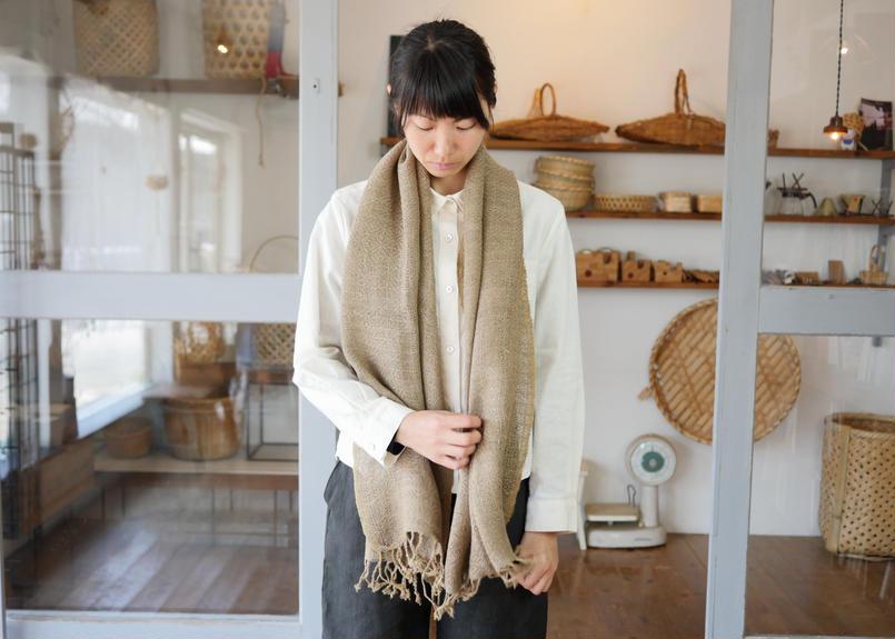 エシカルヘンプ手織りストール 植物染めベージュ&グレー