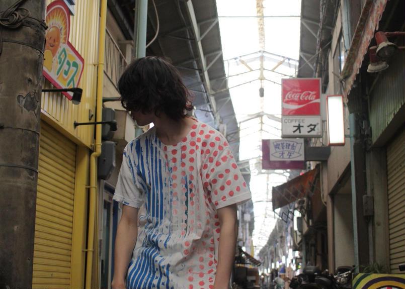 """十二ヶ月色彩記録の手刷りのTシャツ """"ピンクとブルー"""""""