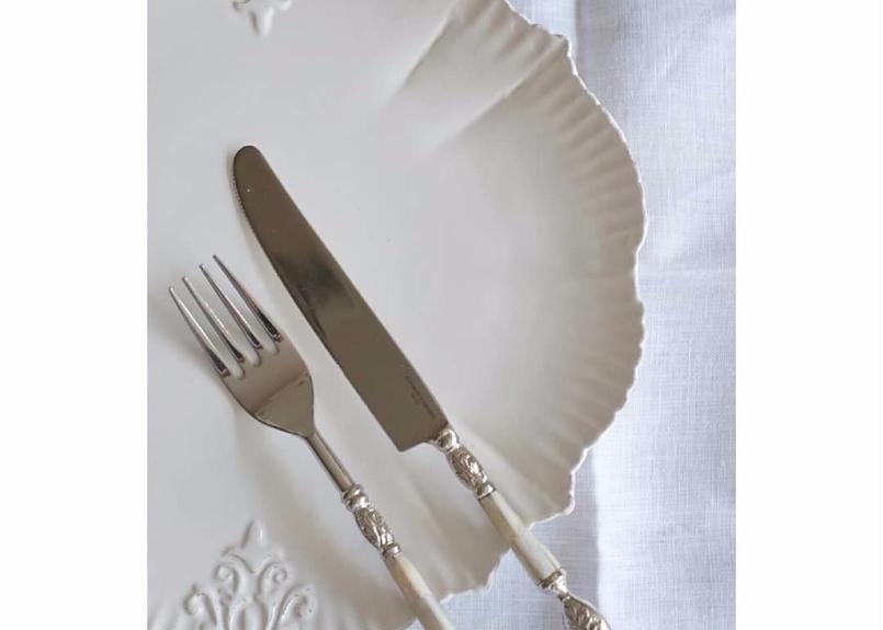 エレガントなシェルカトラリー・ディナーナイフ