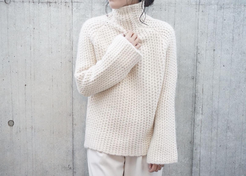 LOW GAUGE HIGH NECK KNIT