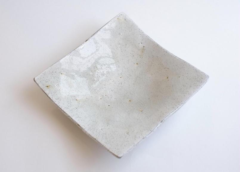ガラス釉三足角皿