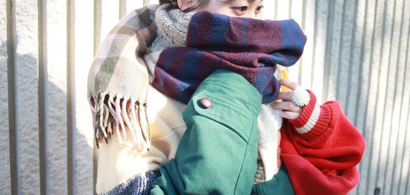 色に抱かれた彼女のマフラー 冬服編
