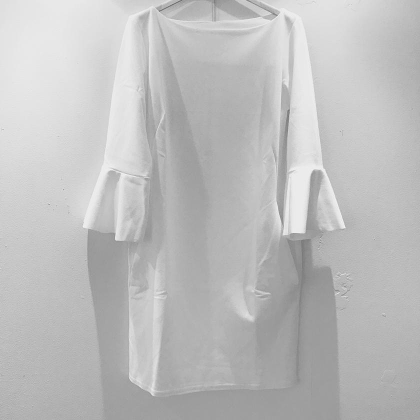 ペプラムスリーブ ドレス