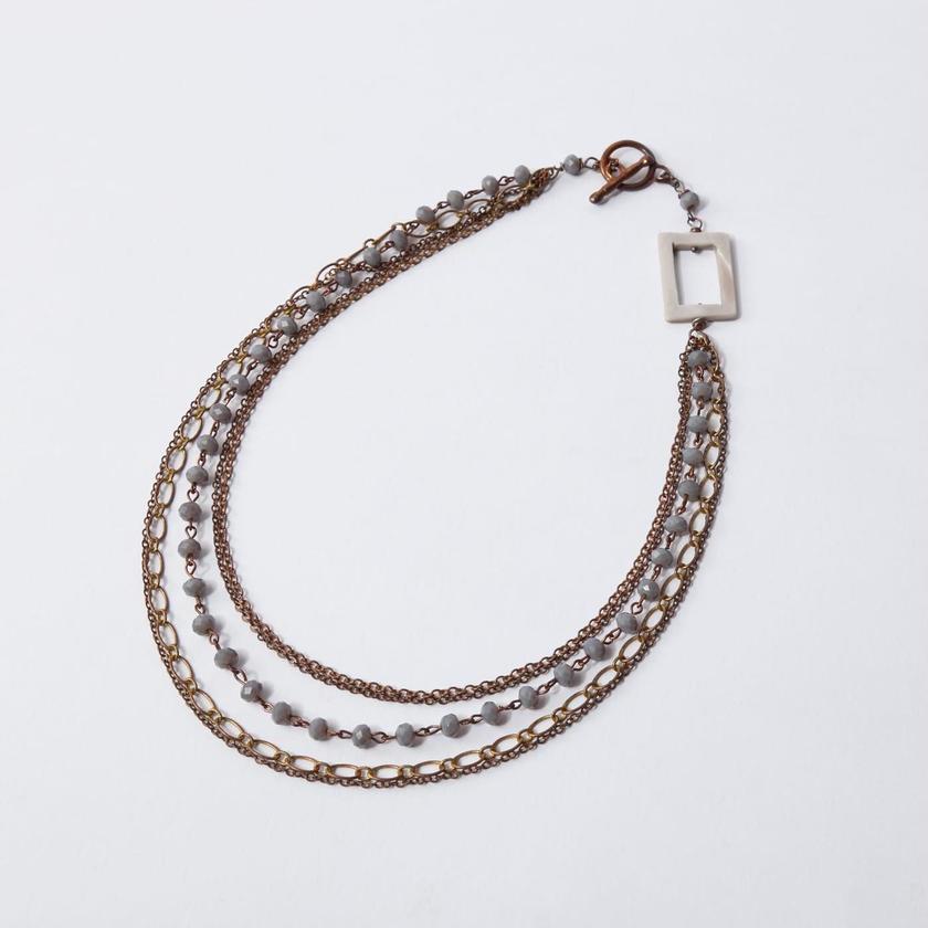 Bijoux 5連ネックレス