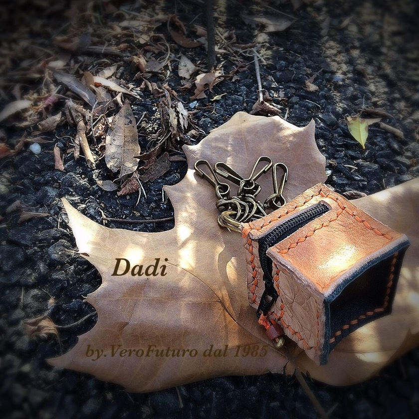 Dadi/B(ダーディ)サイコロ型キーホルダー