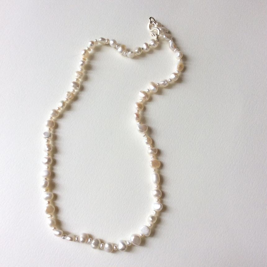 淡水真珠のネックレス