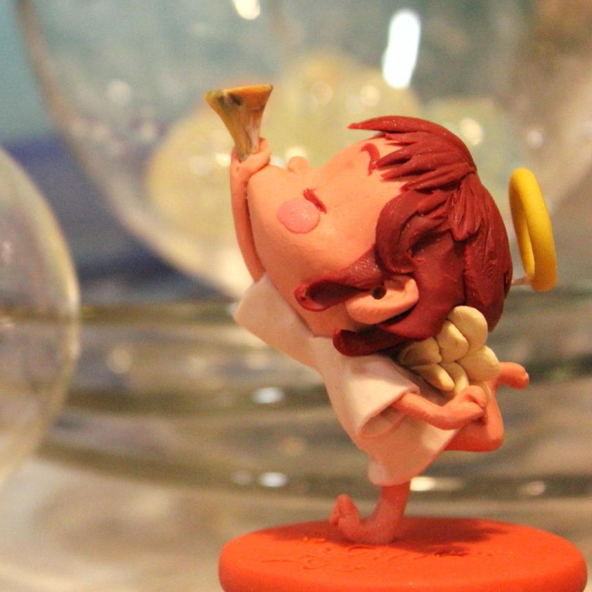 樹脂粘土人形/ラッパ吹き天使(台オレンジ)