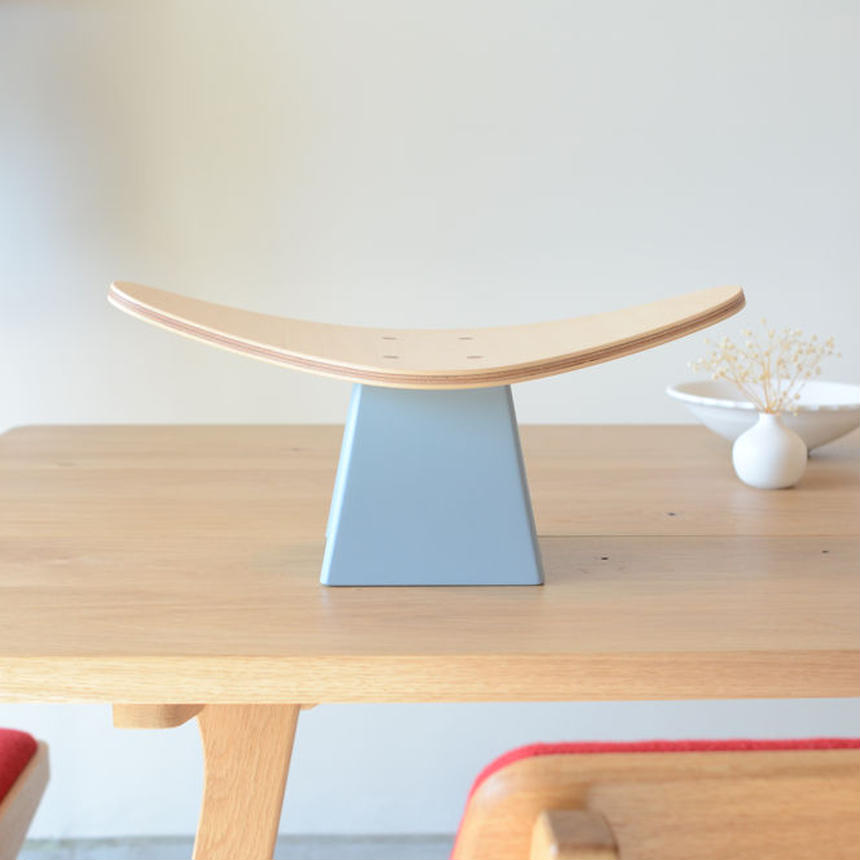 Ei Chair(エイチェア)
