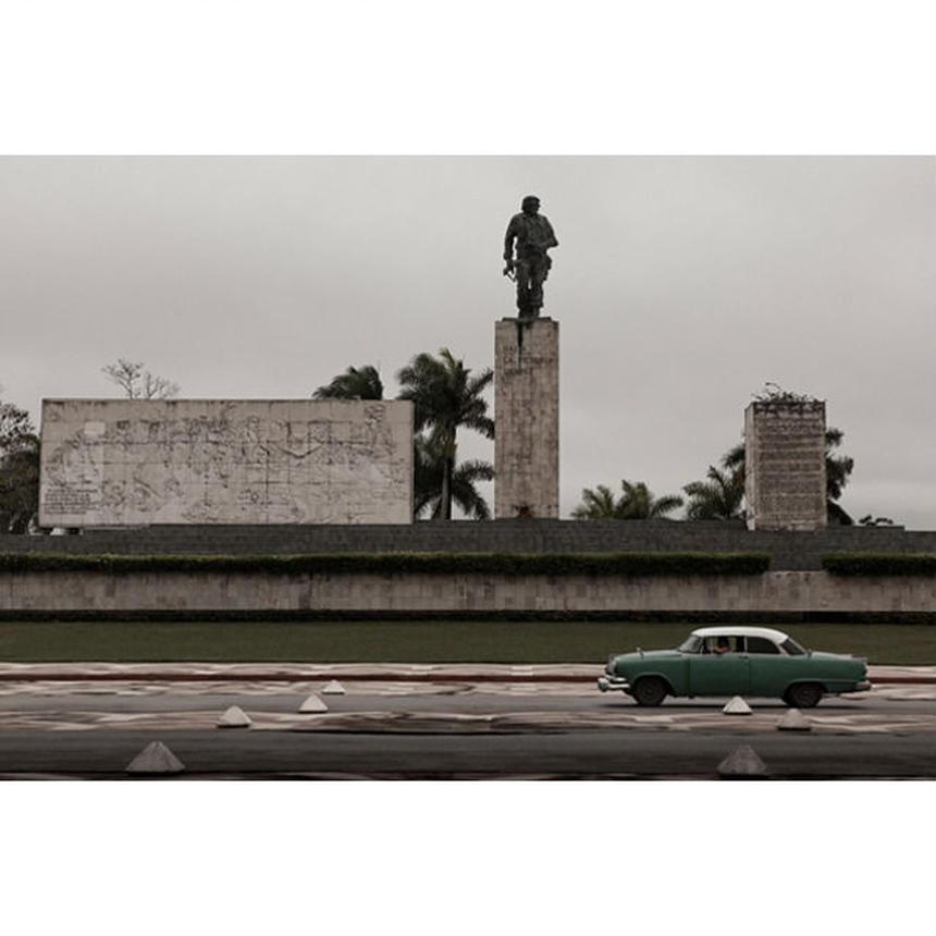 ゲバラ像 Mausoleo Ernest Che Guevara (480×320 / 約A3ノビ)