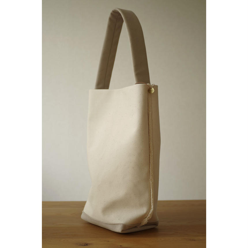 SHOULDER TOTE BAG-ORGANIC COTTON CANVAS+ULTRA SUEDE (GREY)