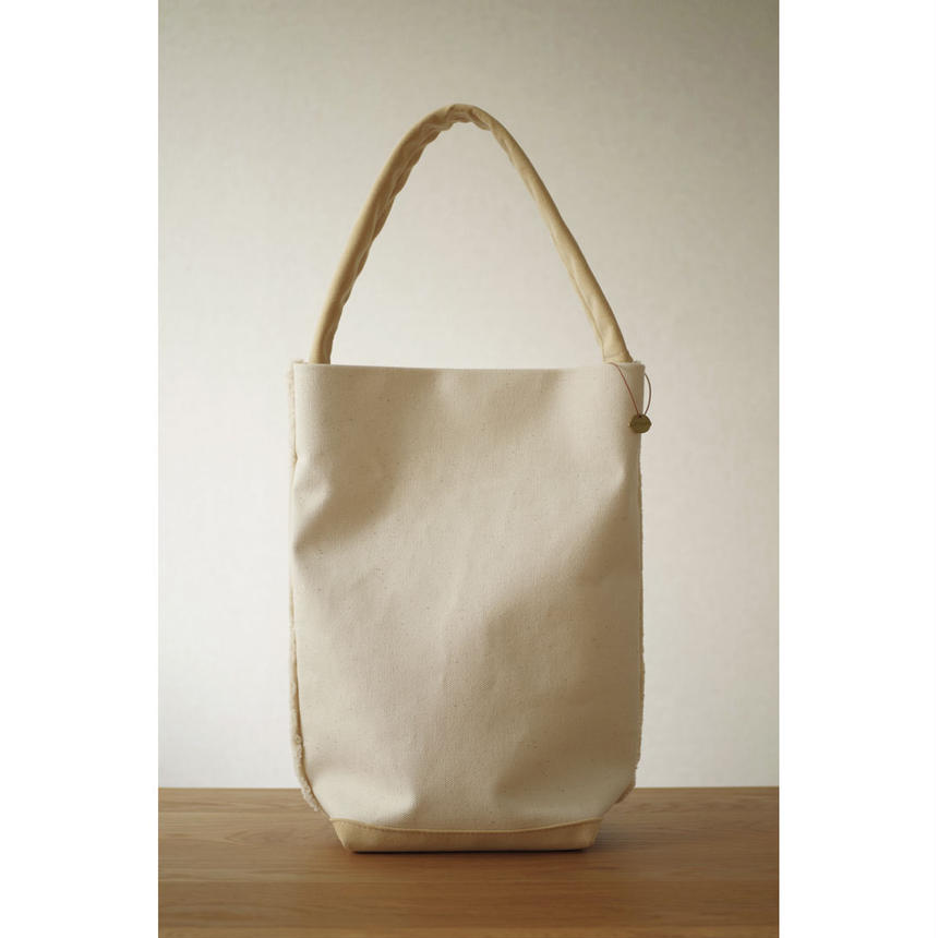SHOULDER TOTE BAG-ORGANIC COTTON CANVAS+ULTRA SUEDE (BEIGE)