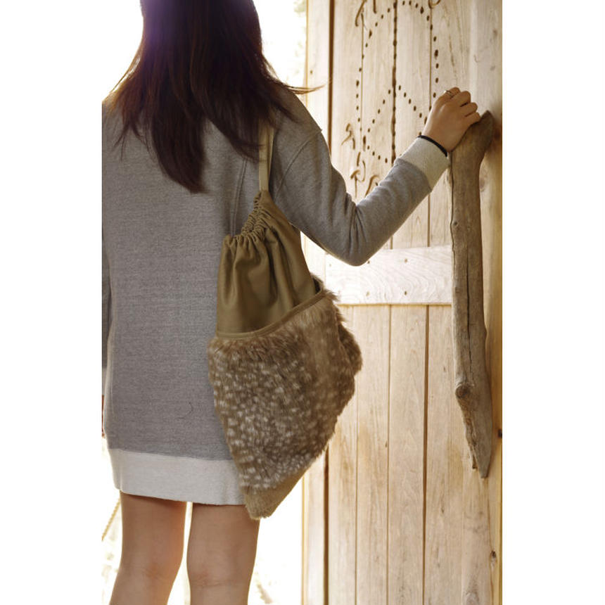 BIG POCKET DRAWSTRING SHOULDER POUCH-FAUX BAMBI FUR+COTTON CANVAS