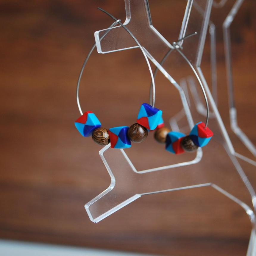 四角とwoodのフープピアス red mizuiro blue