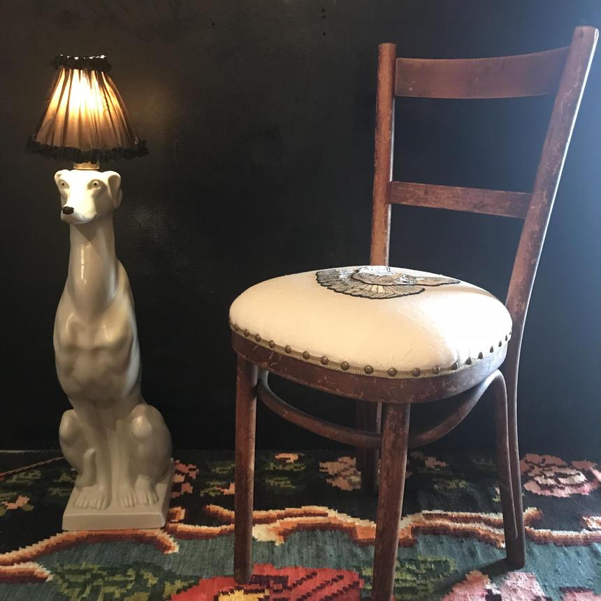 スフィンクスの椅子  右向き ベージュ