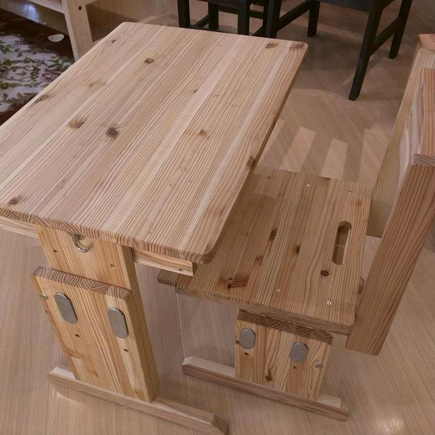 大人も使える杉の学童机
