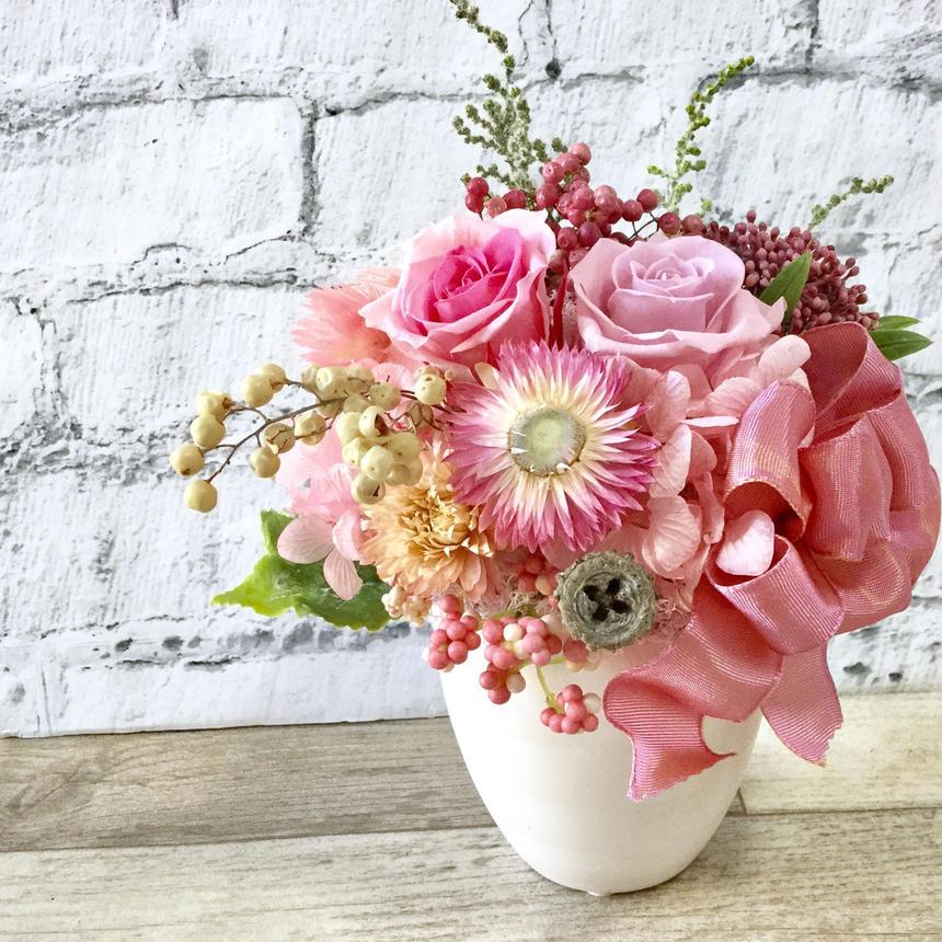 ギフトラッピング無料・ピンクガーリー花畑プリザーブドフラワー