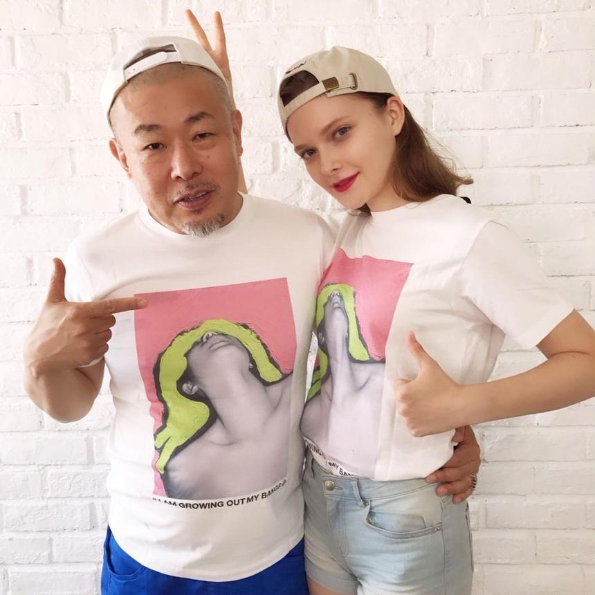 米原康正×PAVILION コラボTシャツ ROOM IN VENETIAN ROSE AND GREENISH YELLOW