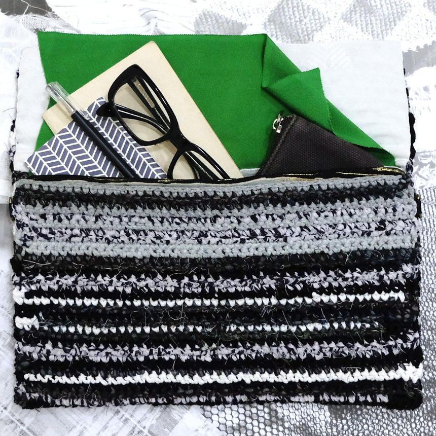 chilk Clutch Bag (Black & White)【10202】