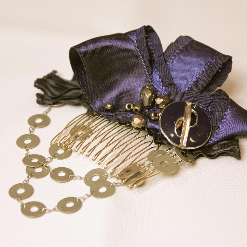 Navy×gold chain