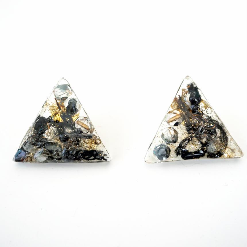 ヤーン&ガラスビーズ樹脂ピアス