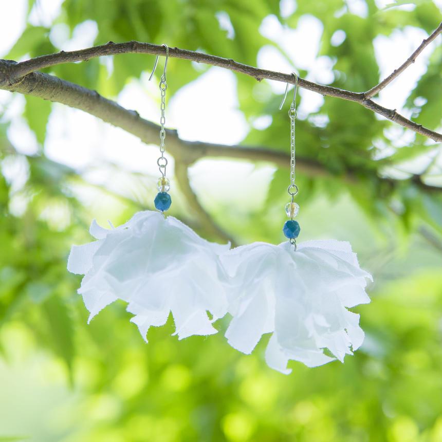 Material Flower chainWH