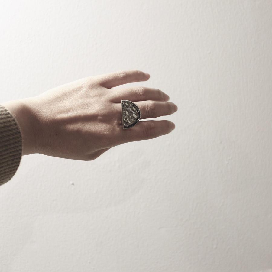 【doro】Semi Circle Silver Glass Ring - フリーサイズ