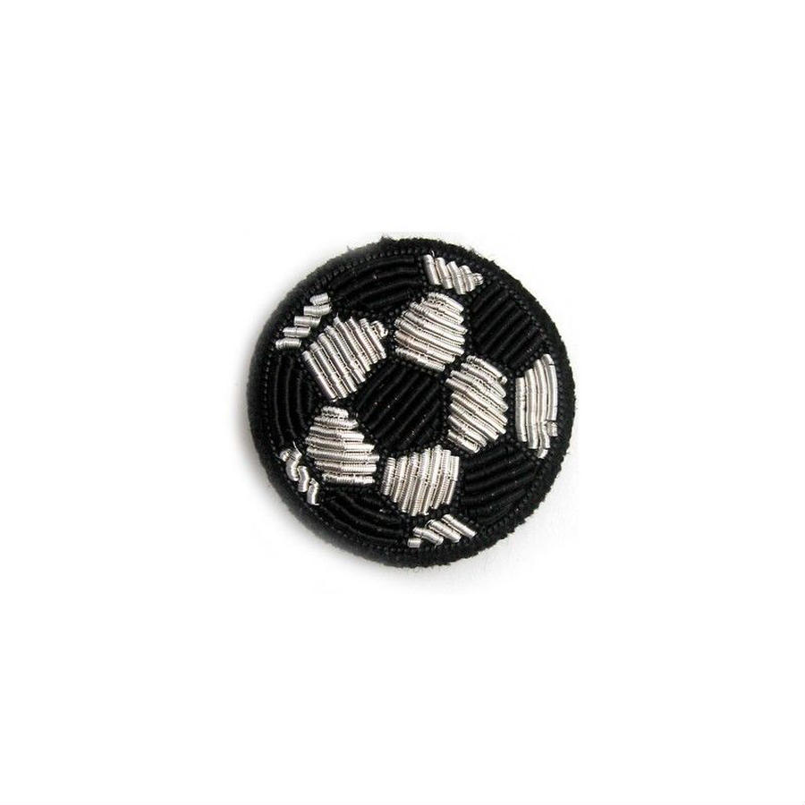 "MEDIUM HAND-EMBROIDERED ""BALL"" PIN ブローチ"