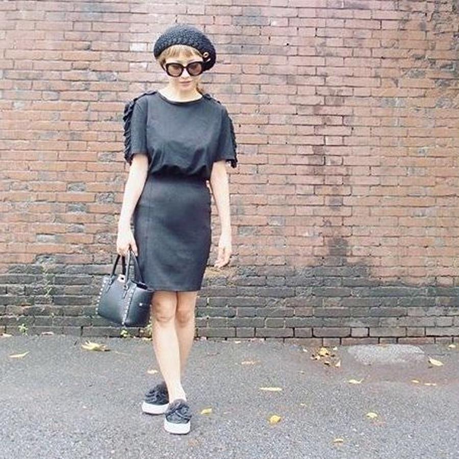 Brigitte Bardot ブリジットバルドー 肩フリルTシャツ
