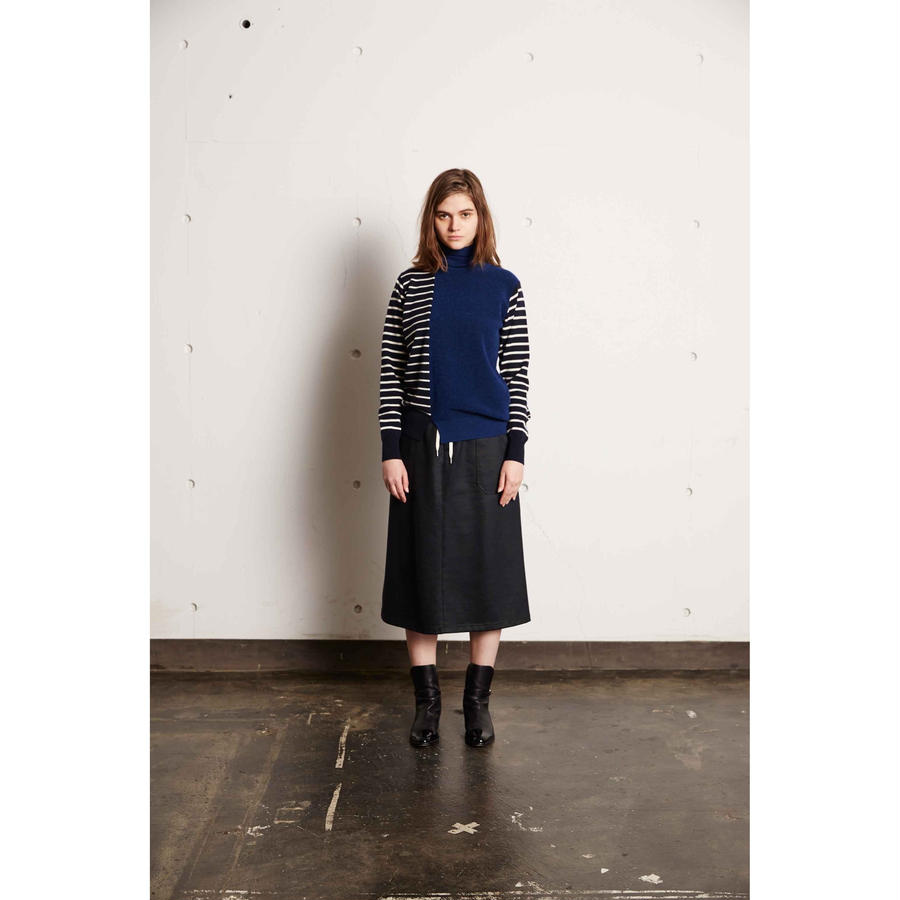 WOOL BORDER TURTLE NECK KNIT