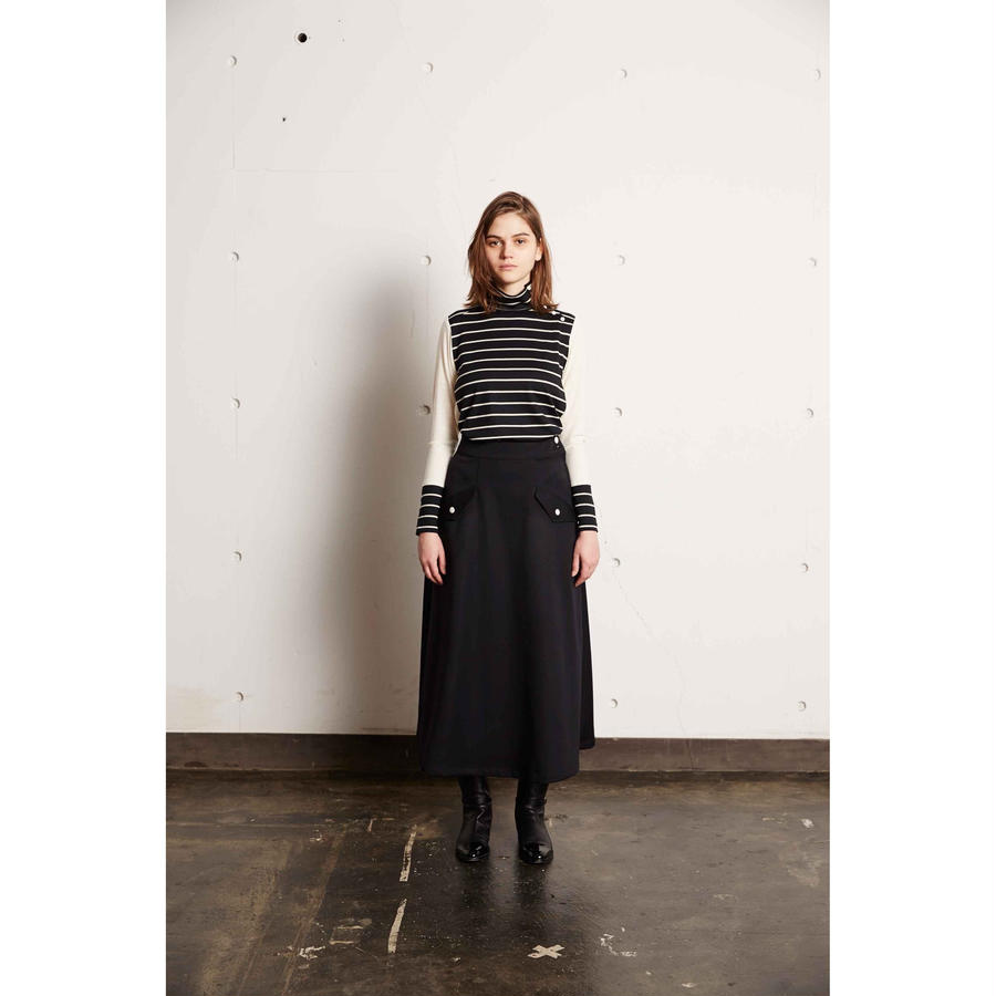BORDER WOOL  TURTLE NECK CUT SEW