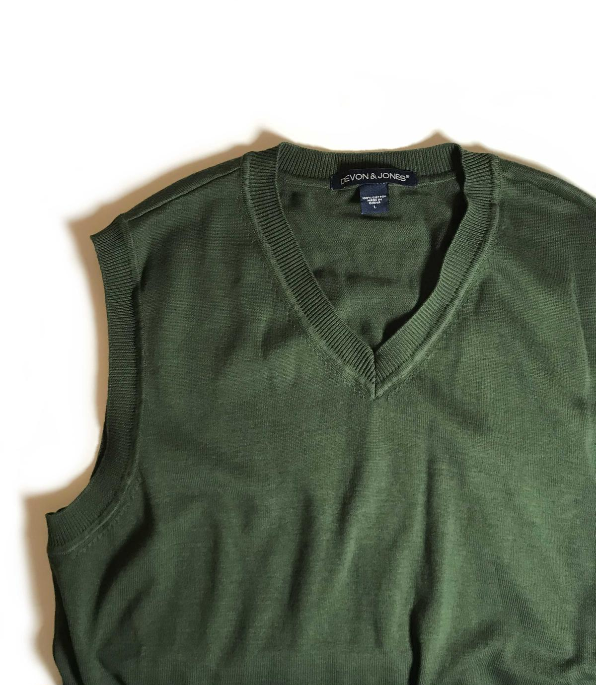 Devon /& Jones V-Neck Vest