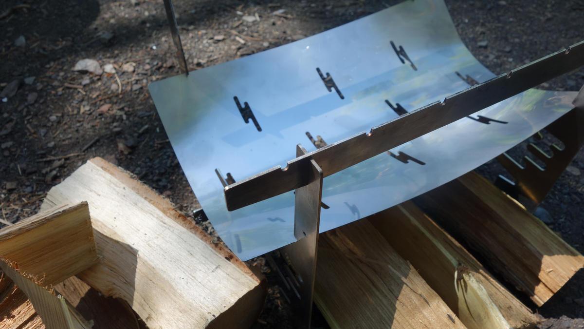 画像1: 小型焚き火台とバックパックのみの軽量装備! 家族でお手軽バーベキュー